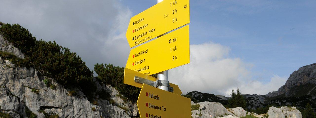 Signpost in the Rofan Mountains, © Tirol Werbung/Laurin Moser