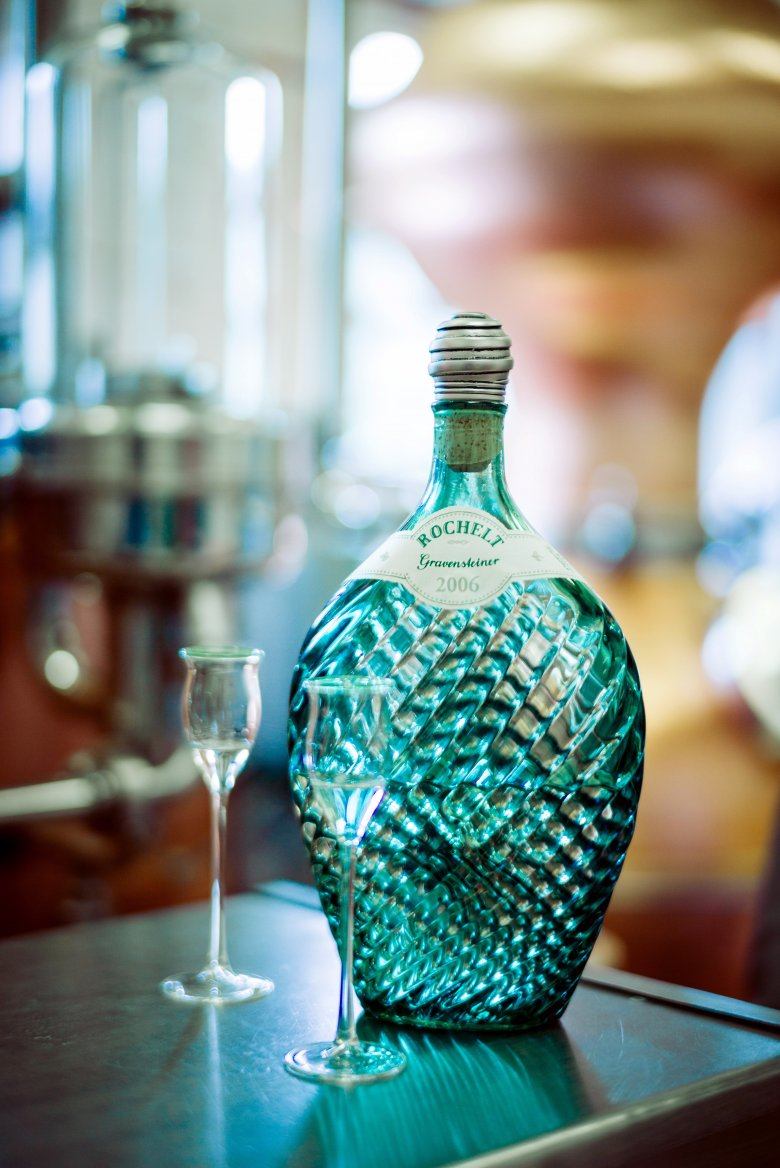 Each Rochelt schnapps comes in one of the company's signature green bottles. Photo: Tiroler Schnapsbrennerei Rochelt