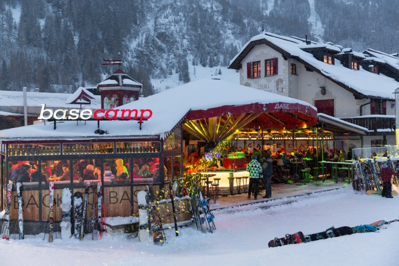 At the base of the Galzig Gondola, you'll find the Base Camp, a lively après-ski hangout.