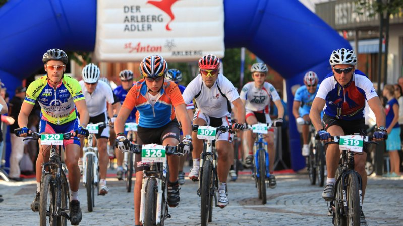 The Arlberg Bike Marathon starts and finishes in St. Anton's lively pedestrianized main street, © Patrick Saely