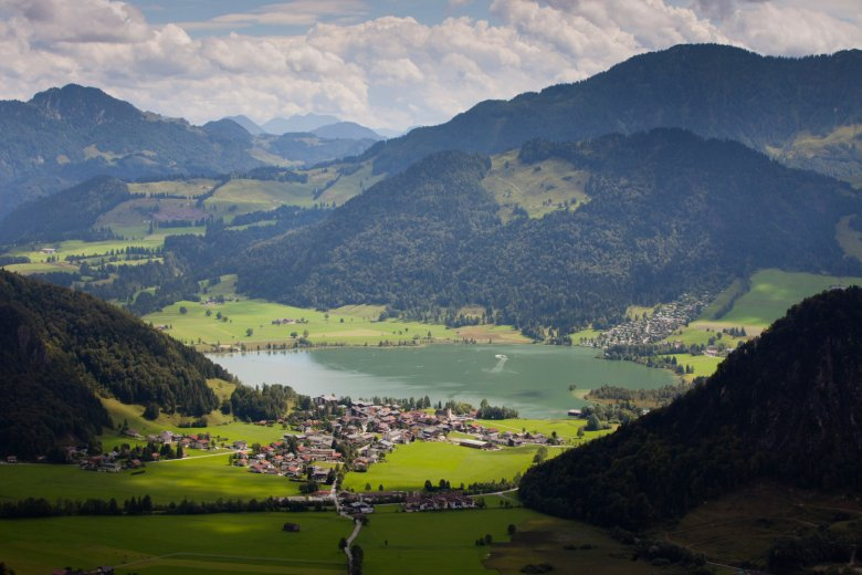 The Walchsee lake in the Kaiserwinkl region. Photo: TVB: Kaiserwinkl