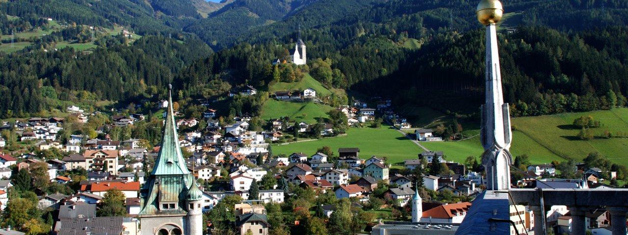 View of Schwaz and Kellerjoch Mountain, © TVB Silberregion Karwendel