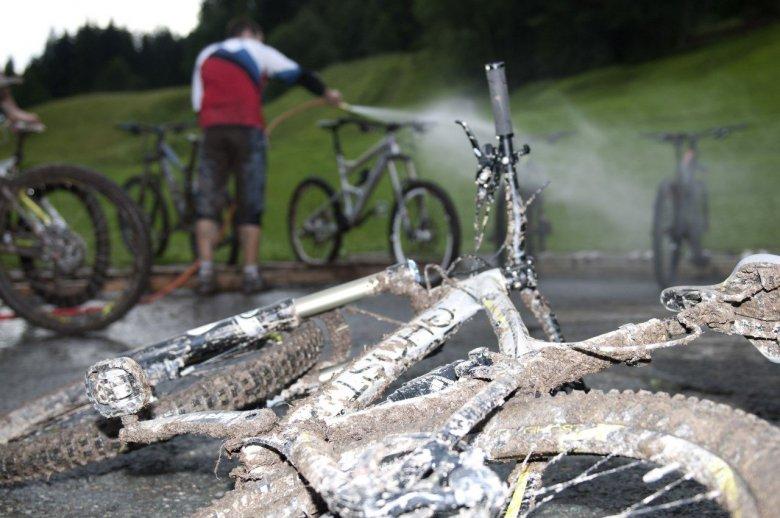 Bike wash at the Bikeacademy. , © Tirol Werbung, Michael Werlberger