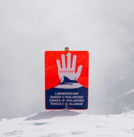 Werner Haberfeller keeps skiers and snowboarders safe on the mountain, © Tirol Werbung/Bert Heinzlmeier