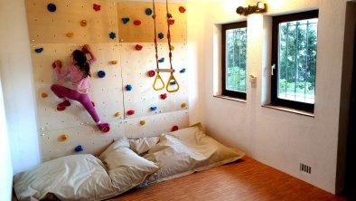 Kletterwand_Fenster