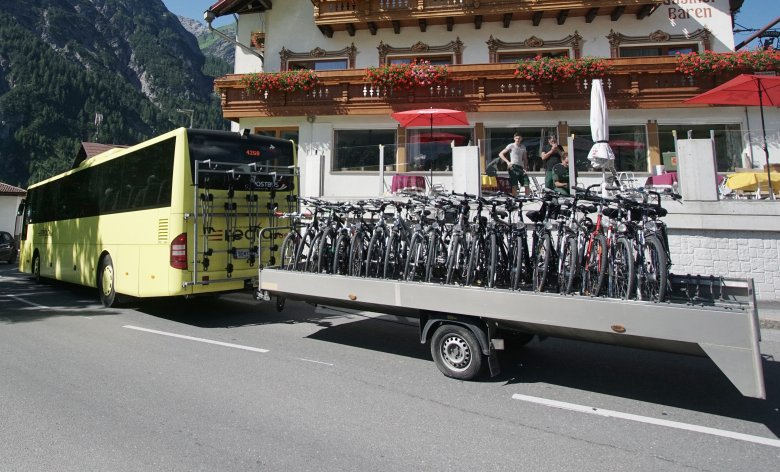 Lechtal cycle and hiking bus. Photo: VVT