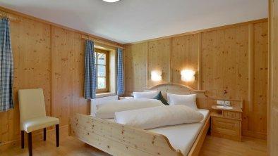 Alt-Ginzling Schlafzimmer 1