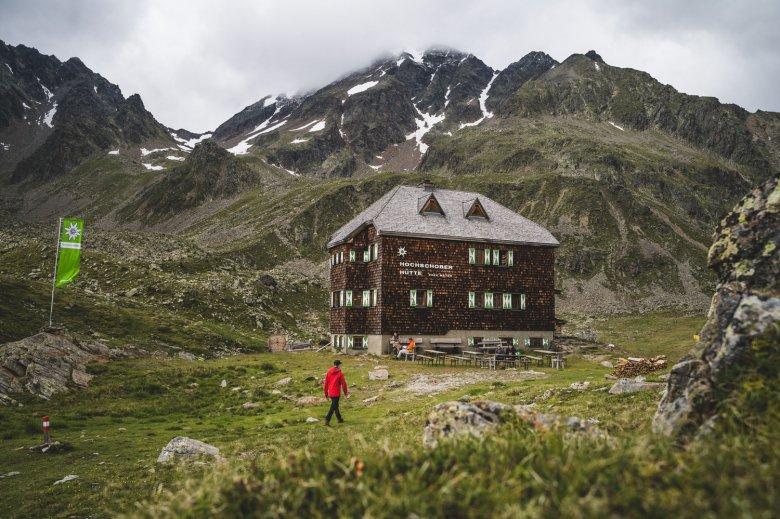 The team at the Hochschoberhütte is committed to serving regional food. , © TVB Osttirol, Thomas Herdieckerhoff