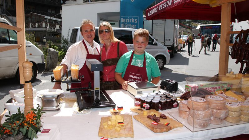 Cheese, sausages, jams and marmalades - the Paznaun Market Day in Ischgl celebrates the valley's delicacies, © TVB Paznaun-Ischgl