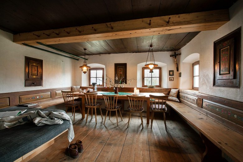 A popular and inspiring co-working space: The parlour at Mesnerhof. (Photo Credit: Mesnerhof/Harald Eisenberger)