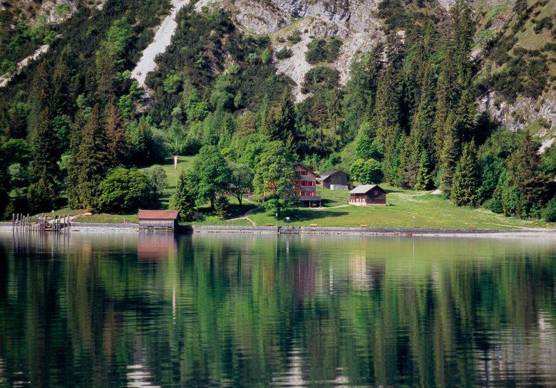 The Gaisalm hut can only be reached on foot or by boat. ©Achensee Tourismus
