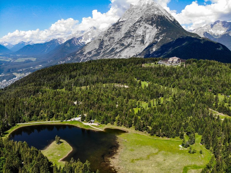 In this photograph you can see how the Lottensee lake delights us when it decides to appear. (Photo: Martin Ritzer/Olympiaregion Seefeld), © Martin Ritzer/Olympiaregion Seefeld
