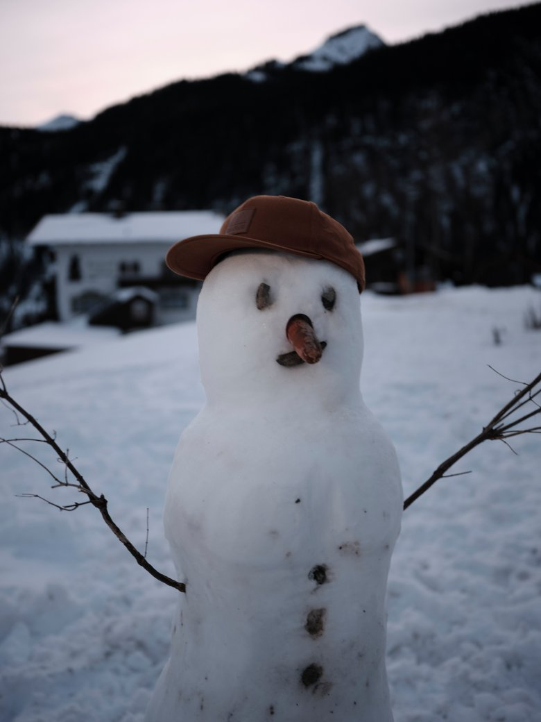 Following the World Wars the snowman became a symbol of winter family fun – with the traditional carrot nose a reminder of the times when poor farming families would use anything and everything as decoration.