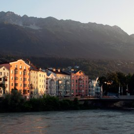 Innsbruck looking towards the Nordkette, © Tirol Werbung/Verena Kathrein