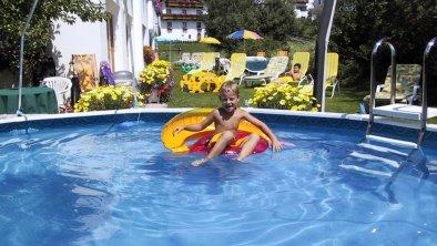 Solarbeheizter kleiner Pool