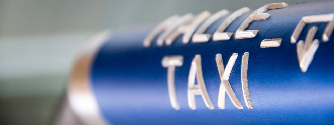 Taxi Service at the Railroad Station, © Tirol Werbung