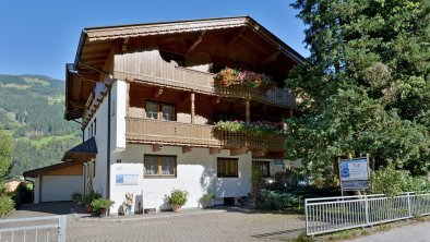 Haus_Sommer_Eingang