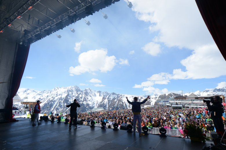 Ischgl offers the very best entertainment in both summer and winter. Top stars of the music scene such as Robbie Williams, Elton John or Rihanna have performed their latest hits in the midst of the ski resort