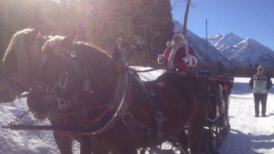 Schlittenfahrt mit dem Weihnachtsmann