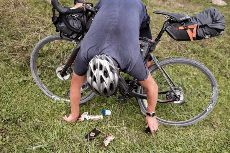Hair gel in the saddle bag – not a good idea. Time to clean up!