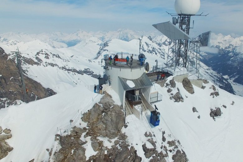 The summit station of the Vallugabahn II complete with spectacular rooftop views.