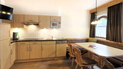 Hotelappartement Küche Zirbe