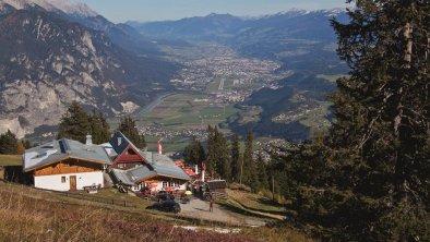 Rosskogelhütte mit Blick ins Inntal