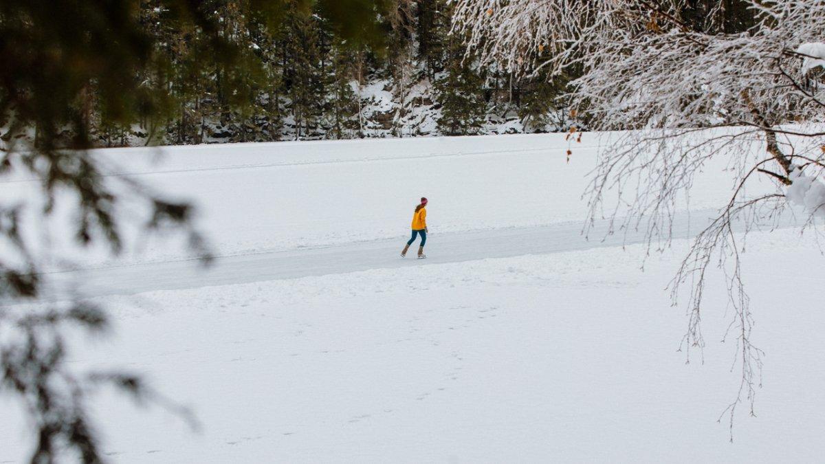 Ice skating on Piburger See lake, © Ramon Haindl
