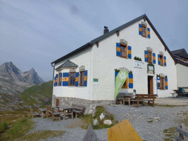 The Leutkircher hut (2,261m)