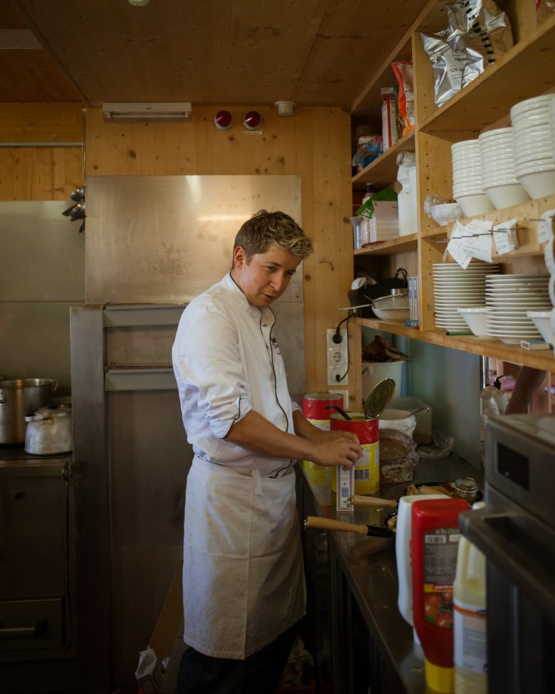 At the age of eleven, Manuel became a passionate and skilled cook with Kaiserschmarren being his signature dish. Which hasn't changedat allover the years.