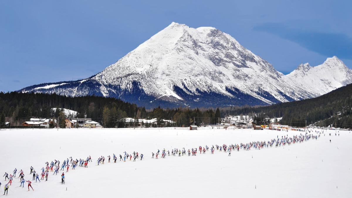 Cross-country skiing is a very popular sport in Leutasch. For decades the Ganghoferlauf in February has drawn around 1,500 participants from around the world to Leutasch for this fun marathon event open to everyone., © Olympiaregion Seefeld