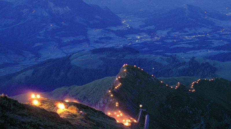 Summer Solstice Fires at Tirol Zugspitz Arena, © Albin Niederstrasser