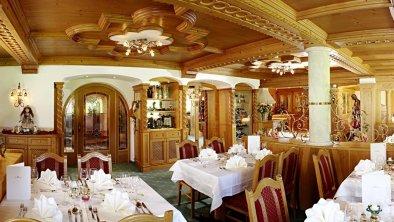 (46) Speisesaal hell gemütlich Tiroler Stube