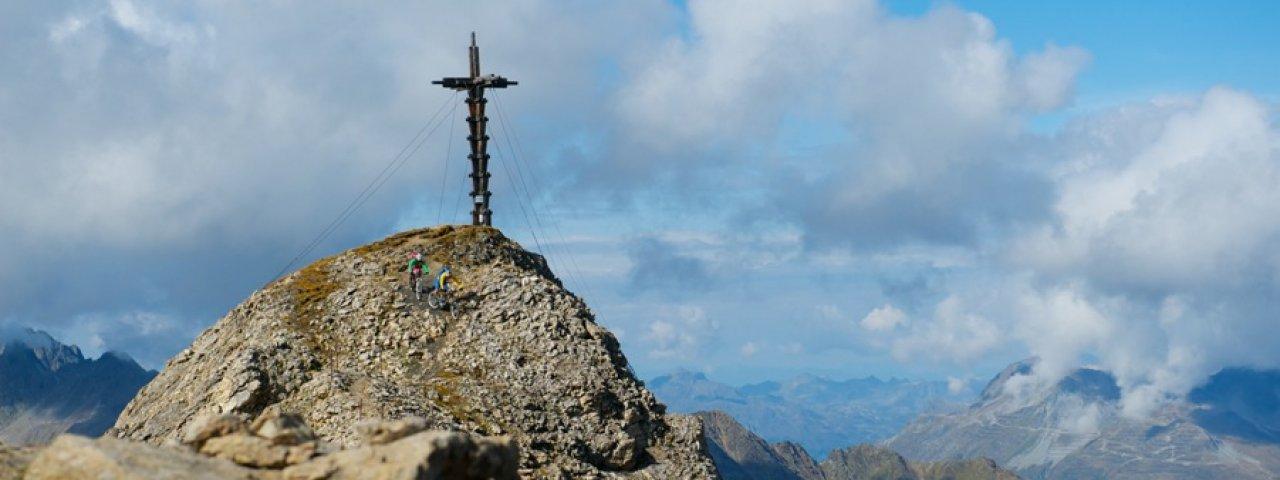 Summit cross at 2,871 metres above sea level, © TVB Paznaun-Ischgl