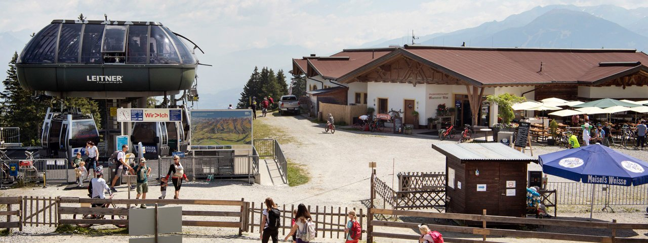 The Mutterer Alm restaurant at the top of the cable car, © Tirol Werbung/Frank Bauer