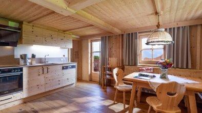 https://images.seekda.net/AT_UAB7-04-06-06/Flecklhof_Flecklweg_25_Hopfgarten_08_2020_Appartement_Feldalphorn_Wohnkueche_1.jpg