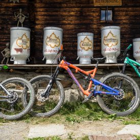 Mountain bike rides to alpine huts, © Tirol Werbung/Peter Neusser