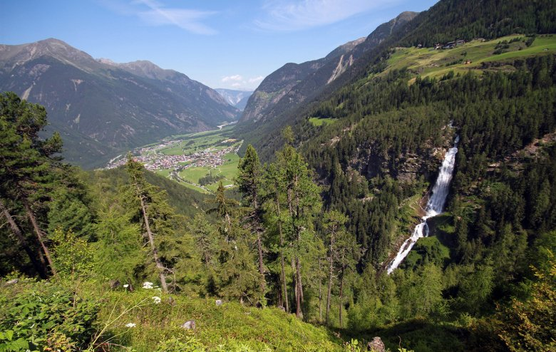 Ötztal is 65 kilometres long, longer than any other lateral valley in the Eastern Alps.