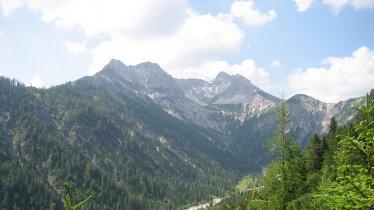 Looking towards the Schleimsattel ridge, © Naturpark Karwendel/Sina Hölscher
