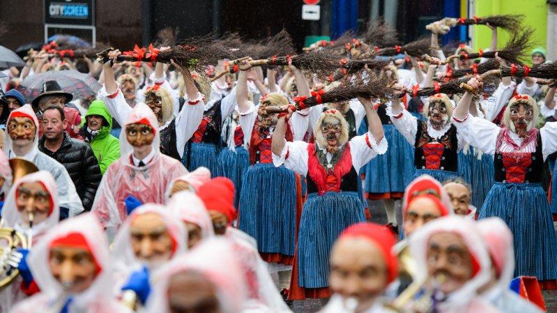 The Witches' Dance at the Imst Schemenlaufen Shrovetide Run, © Imst Tourismus/Franz Oss