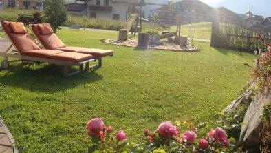Garten mit Liegen