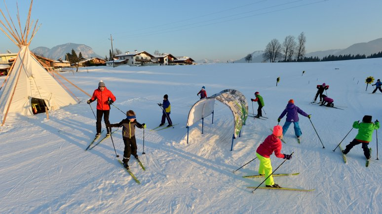 Cross Country Skiing with kids, © Tirol Werbung/Verena Kathrein