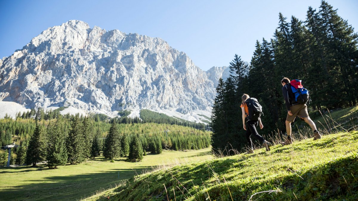Eagle Walk: Through the Gaistal Valley towards the Zugspitze mountain, © Tirol Werbung