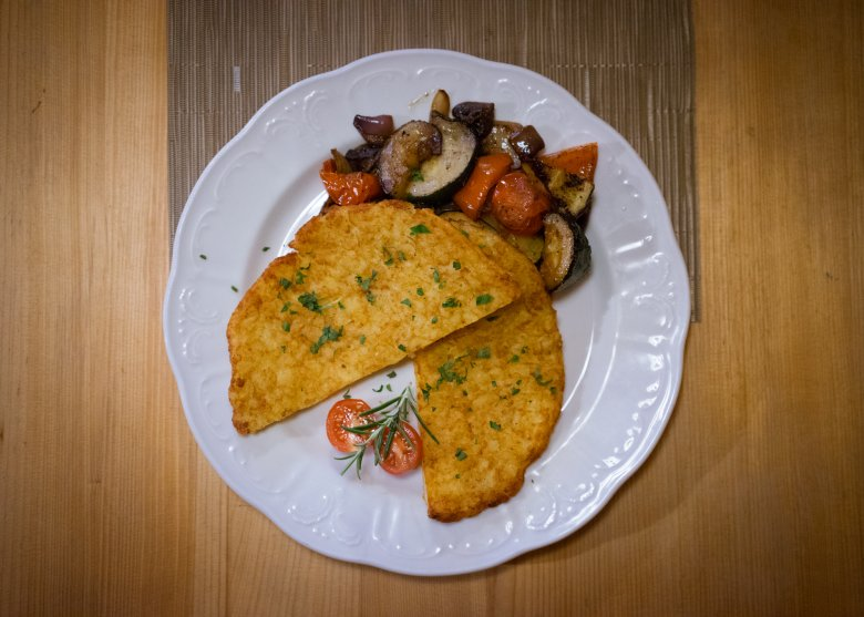 Rösti with vegetables is the perfect healthy and hearty meal at the end of a long day in the mountains.