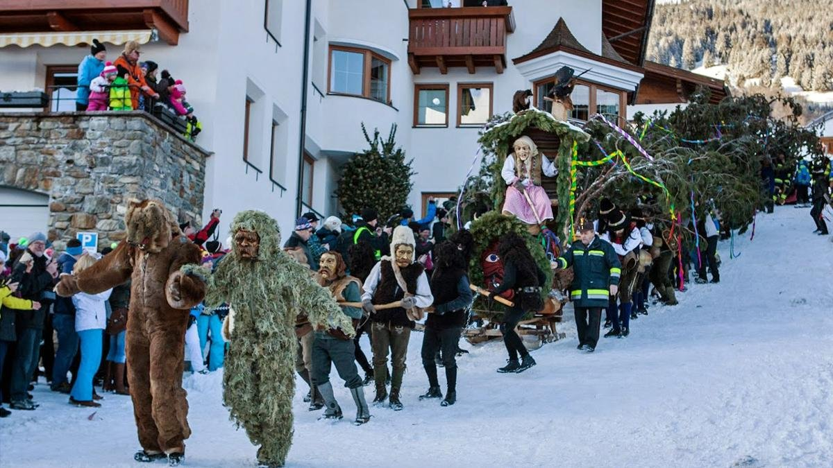 The Fisser Blochziehen ritual is one of many practised in Tirol during the carnival season in February. These attract hundreds of participants and thousands of onlookers., © Andreas Kirschner