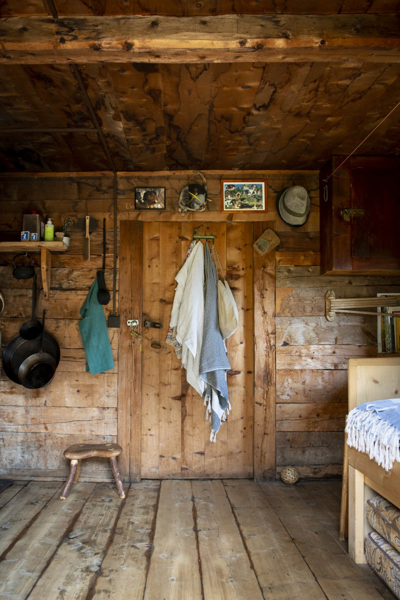 The alpine hut is barely 16 square metres small.