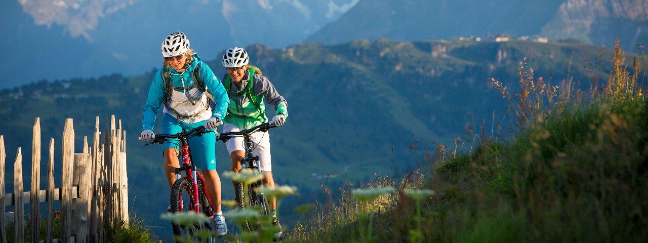 Mountain biking high above the valley floor, © Zillertal Tourismus/Daniel Geiger