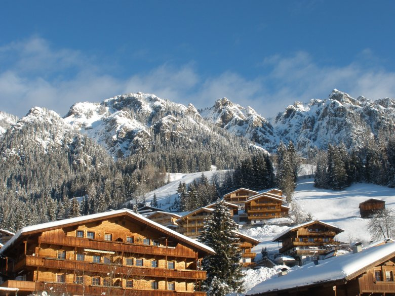 All buildings of Alpbach have to be furnished in timber – a scene little changed through the centuries.