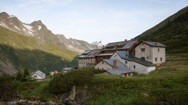 The Berliner Hütte hut in the Zillertal Valley, © Tirol Werbung/Jens Schwarz