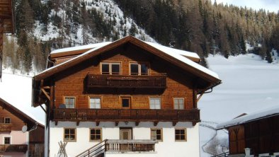 Hausfoto Winter, © Bernhard Tembler